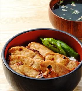 鶏胸肉の蒲焼き丼
