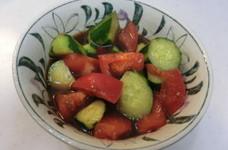 キュウリとトマトのポン酢漬け