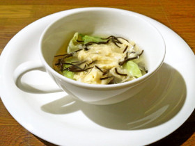 ひじきとレタスのふわたまスープ
