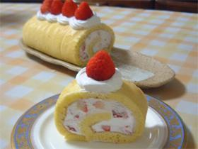 ホットケーキミックスで【ふわふわシフォンなイチゴのロールケーキ】