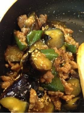 茄子とピーマンと鶏挽肉の味噌炒め☆