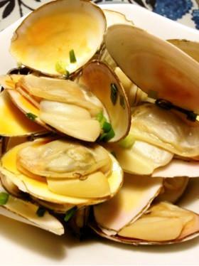 白貝(サラガイ)のバター風味酒蒸し