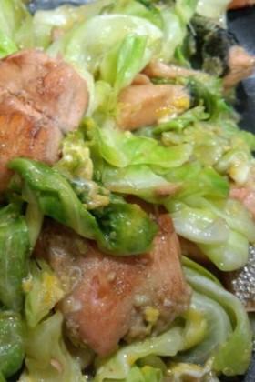 鮭とキャベツの炒め物