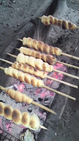キャンプの朝のぐるぐるパン