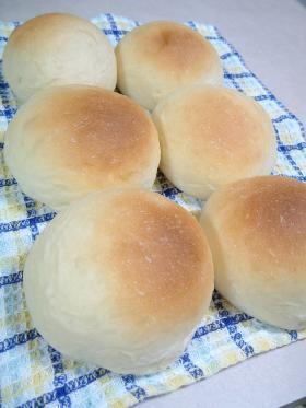 パン記録☆ シンプルな牛乳パン♪