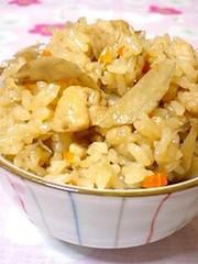 しっかり味♪鶏とごぼうの炊き込みご飯♡の写真