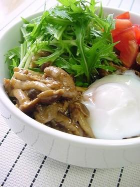 きのこと豚肉の甘辛カフェ丼。