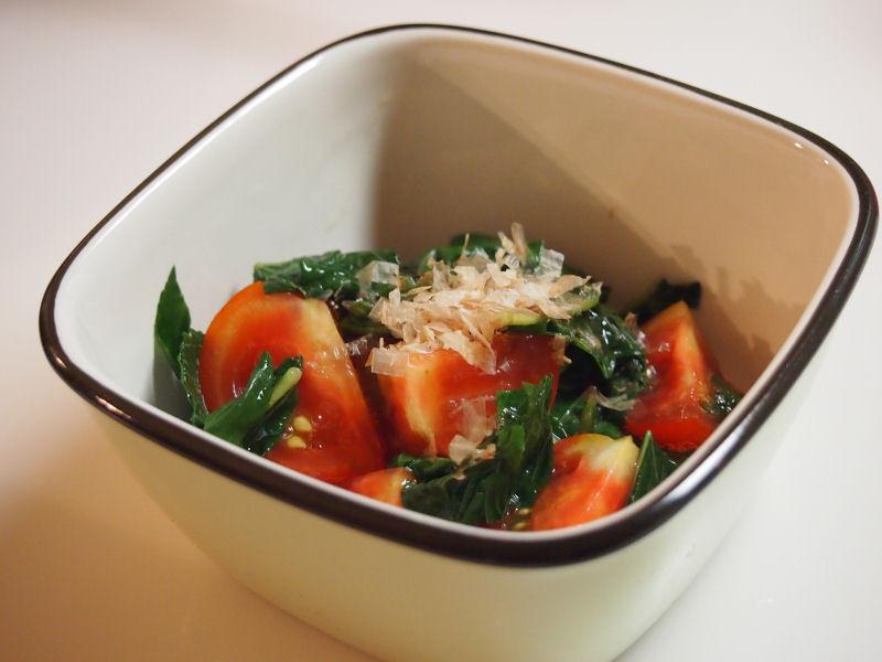 トマトとモロヘイヤの和風サラダ