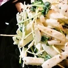 梨と貝割れ大根のサラダ
