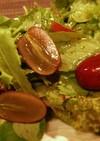 皮ごと食べられるぶどうを使った簡単サラダ