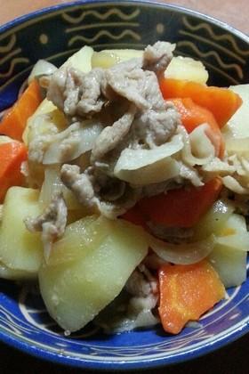 作りおきの生姜焼きで豚肉じゃが