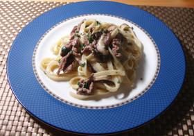 簡単3分牛肉とブリーチーズの濃厚生パスタ