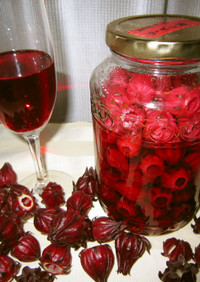 紅色が魅力の♪ローゼル酒