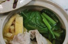 簡単・美味しい♪小松菜ではりはり鍋