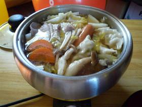 簡単おいしい野菜た〜ぷり餃子鍋