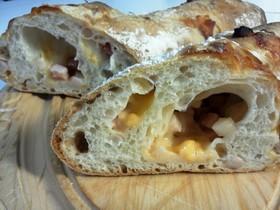天然酵母のバゲット!ベーコン&チーズ