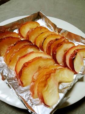魚焼きグリルで焼きりんご