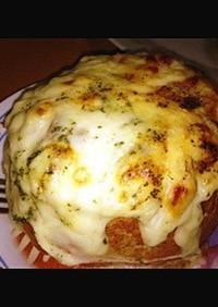 塩麹チキン茸マカロニグラタンフランスパン