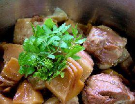 筍と豚肉の煮物