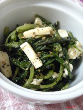 菊菜のごまチーズ和え