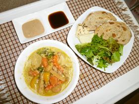 納豆、オクラの黒にんにく入りスープカレー