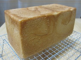 *豆乳&全粒粉* うちのふんわり食パン