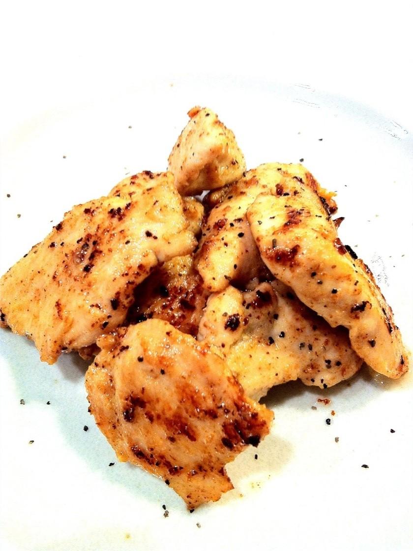漬けて焼くだけ!鶏ムネ肉の味噌マヨ焼き