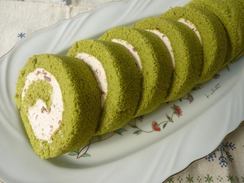 フワッ♡あずきクリームの抹茶ロールケーキ