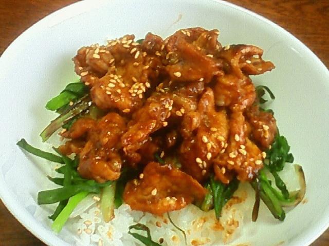 豚こまの中華風辛味噌炒め丼