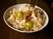 干した茸で炊き込みご飯の写真