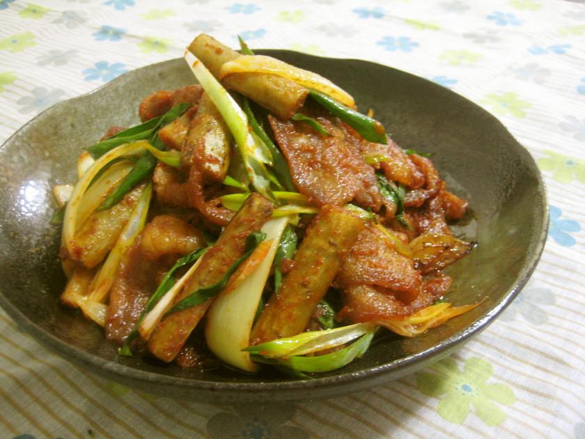 韓国 豚バラとごぼうのコチュジャン炒め