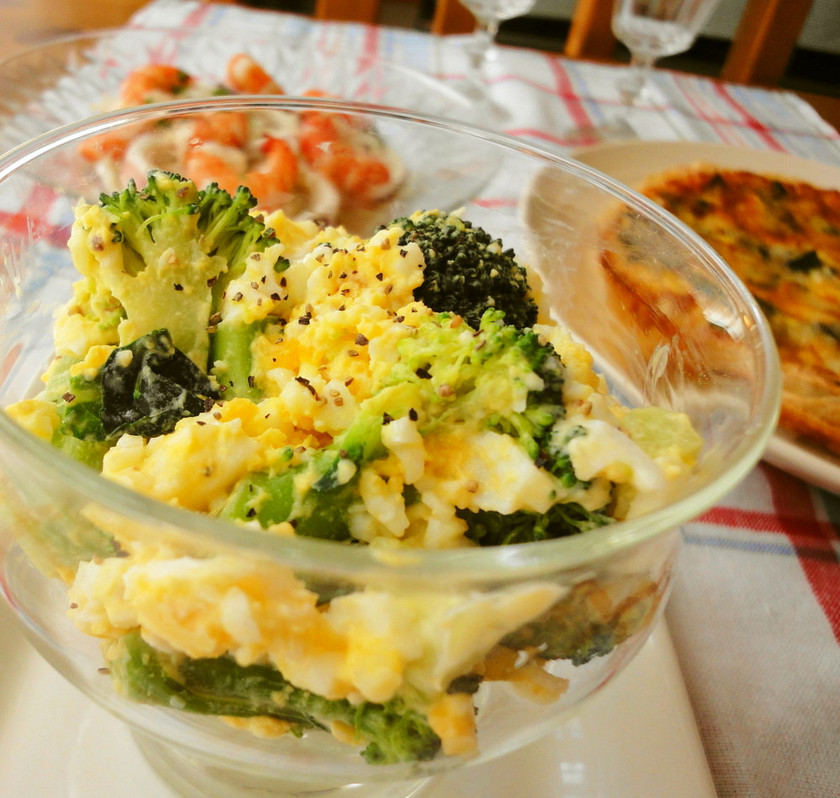 ブロッコリーと茹で卵のサラダ