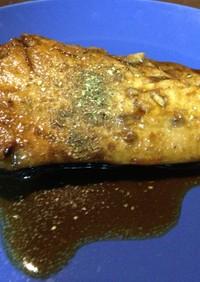 風味豊か♪黒酢と山椒、生姜のブリ照