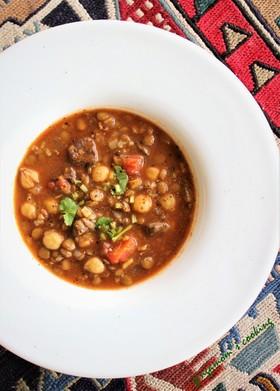 ひよこ豆・レンズ豆・お米・牛肉のスープ