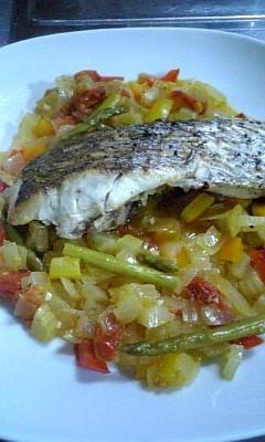 鯛のソテー野菜のマリネ添え