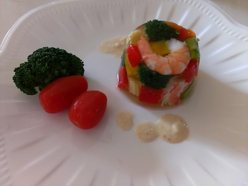 おもてなしに☆簡単!彩り野菜のゼリー寄せ