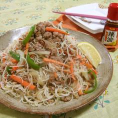 タイ料理 センミーパット(焼きビーフン)