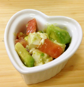 アボカド、豆腐、トマトの柚子胡椒サラダ