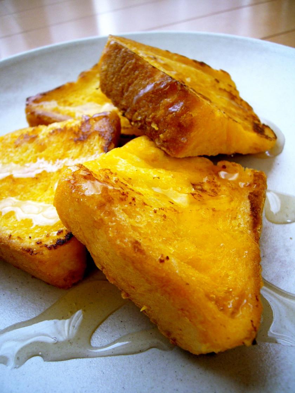 甘い朝食♡食パンで簡単♪フレンチトースト