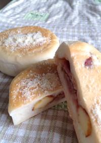 ベーコンとチーズの平焼きパン♪