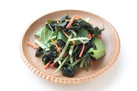 小松菜とわかめの和え物。