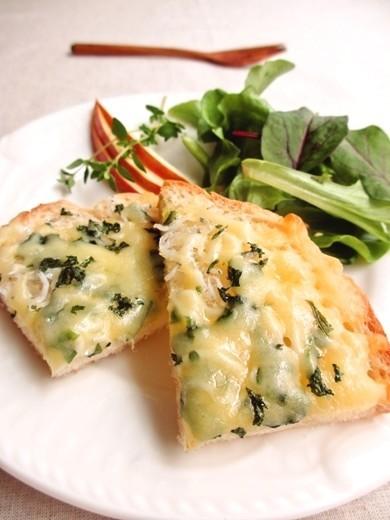 しらすと大葉のチーズトースト…
