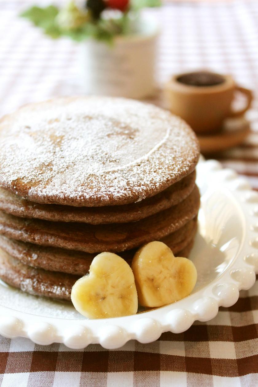 小麦粉でつくるチョコバナナパンケーキ