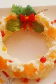 簡単クリスマス料理!ポテトサラダのリースの写真