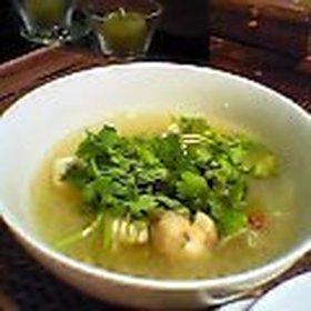 なんちゃって「ソトアヤム」(インドネシアの鶏の春雨スープ)
