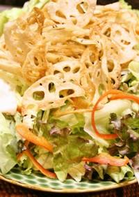 簡単ナンプラードレ♪揚げ蓮根のせサラダ