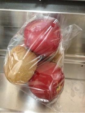 リンゴと保存酸っぱいキウイを甘くする方法