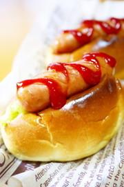 朝食&ランチに♪ロールパンでホットドッグの写真