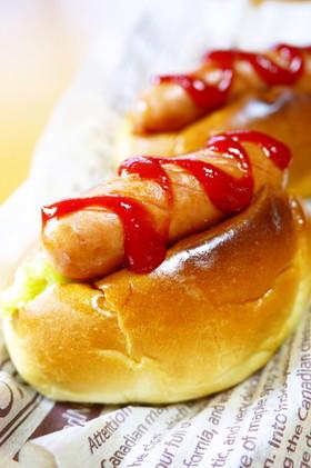 朝食&ランチに♪ロールパンでホットドッグ