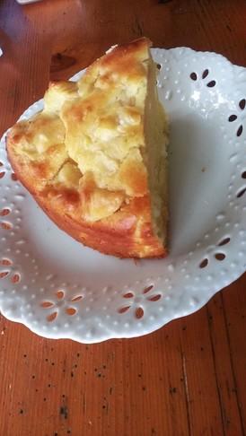 簡単 サクサクリンゴとクリチのケーキ